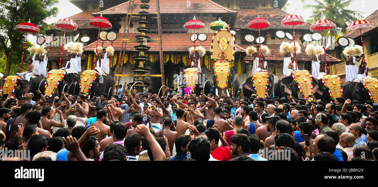 Stock Images Hinduism in Kerala - Thrissur pooram, Thrissur, Kerala, India - Stock Image