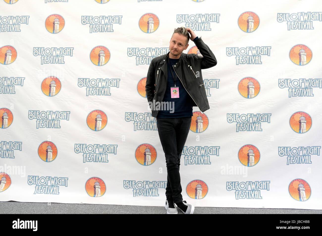Newport, Isle of Wight, UK. 10th June, 2017. Isle of Wight Festival Day 3 -  Tom Chaplin.British folk singer  who - Stock Image