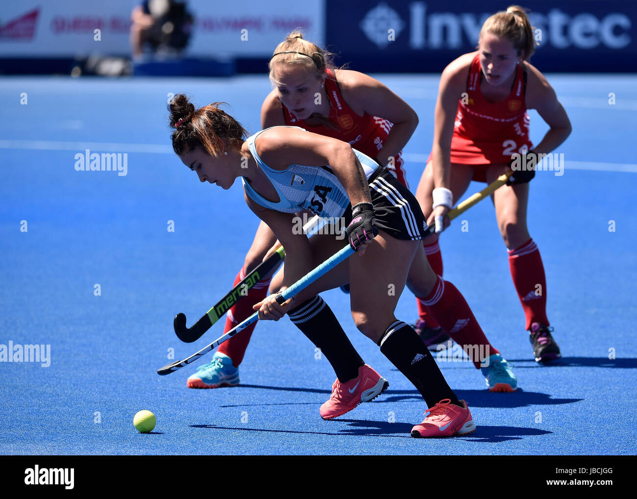 LONDON ENGLAND - June 10, 2017: Maria Granatto (ARG) tries blocking Anna Toman (ENG) getting the ball during 2017 - Stock Image