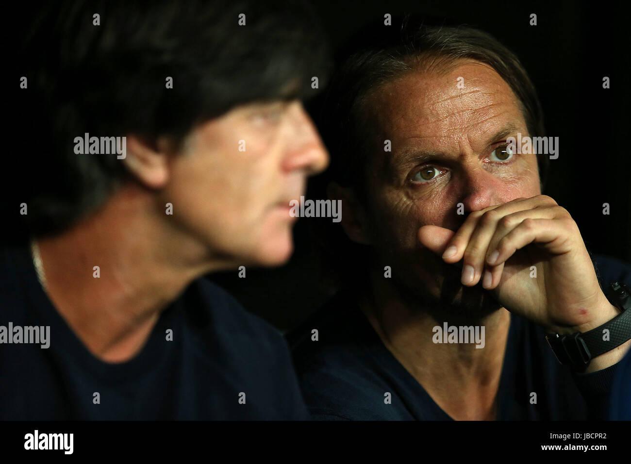 06.06.2017, Fussball Länderspiel, Dänemark - Deutschland, in Brondby Stadion Kopenhagen, v.l. Bundestrainer Joachim Stock Photo
