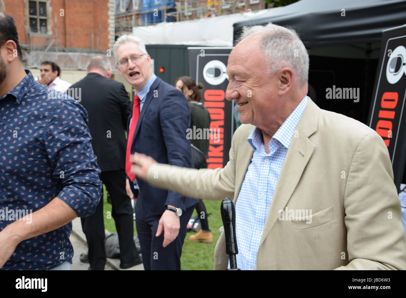 Lembit Opik and Ken Livingstone chatting on College Green after the 2017 General Election. - Stock Image