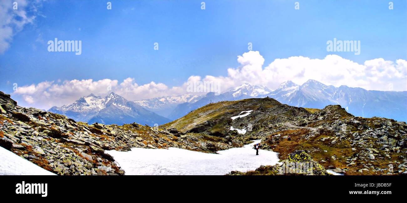 Der Speikboden ist ein Berg in den Zillertaler Alpen in Südtirol, Italien; Blick auf die schneebedeckten Berge des Stock Photo