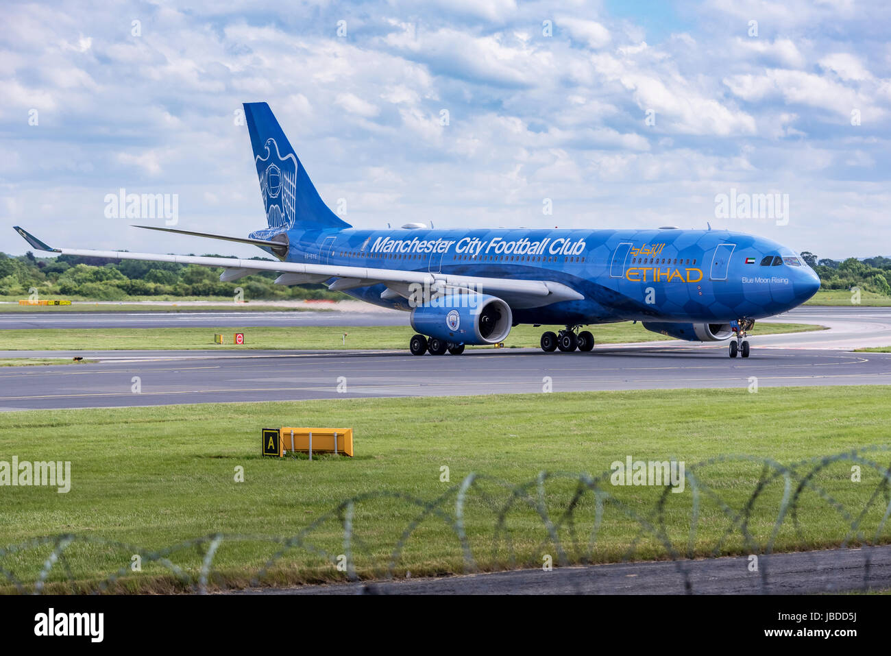 Etihad Airbus A330 Manchester City FC plane - Stock Image