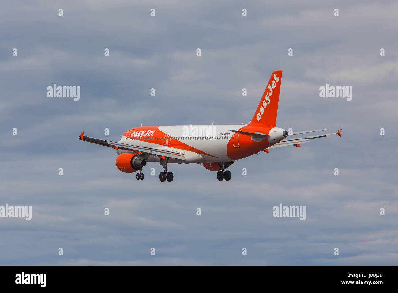 EasyJet Airbus A320-214 - Stock Image