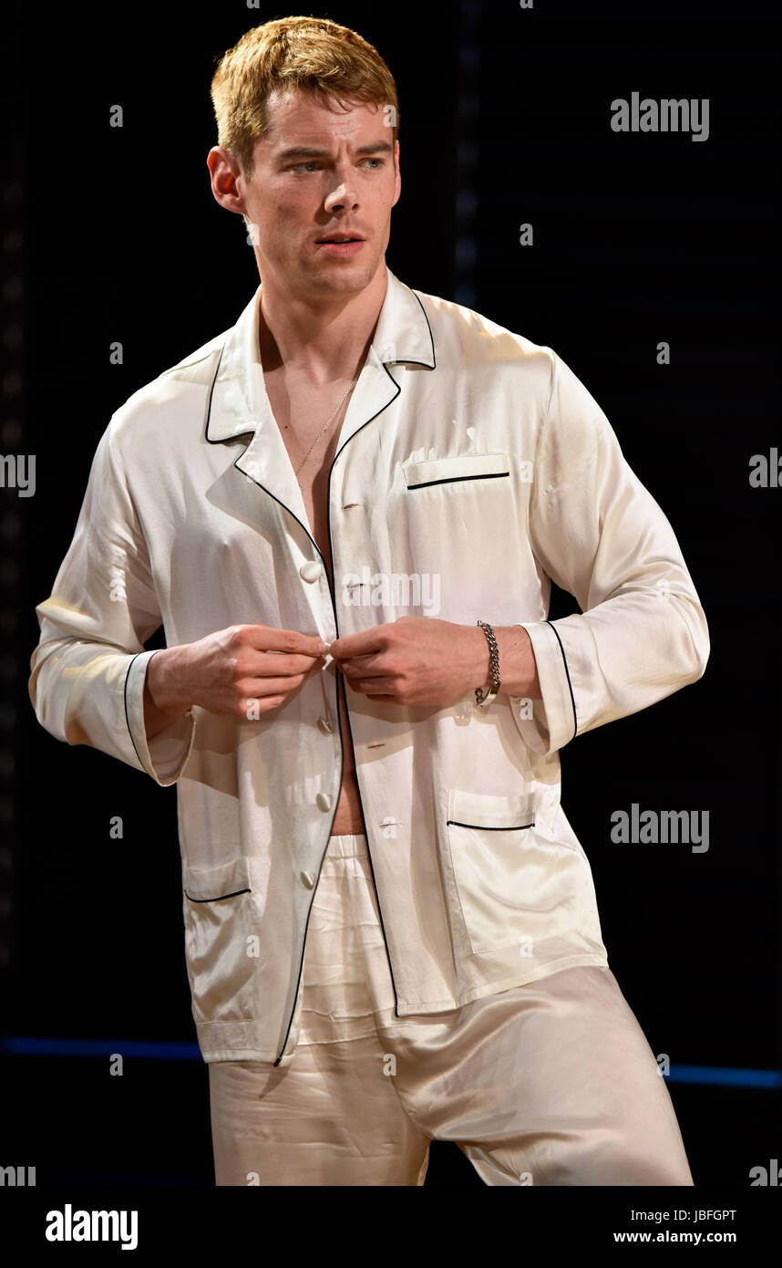 Brian J. Smith in the role of Chance Wayne in a scene from Tennessee Williams Sweet Bird Of Youth, Chichester Festival Stock Photo