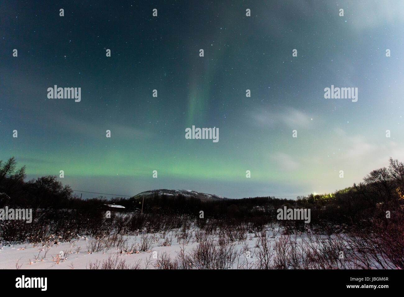 Polarlicht (Aurora borealis) in Norwegen, bei Kirkenes am See Rundvatnet - Stock Image