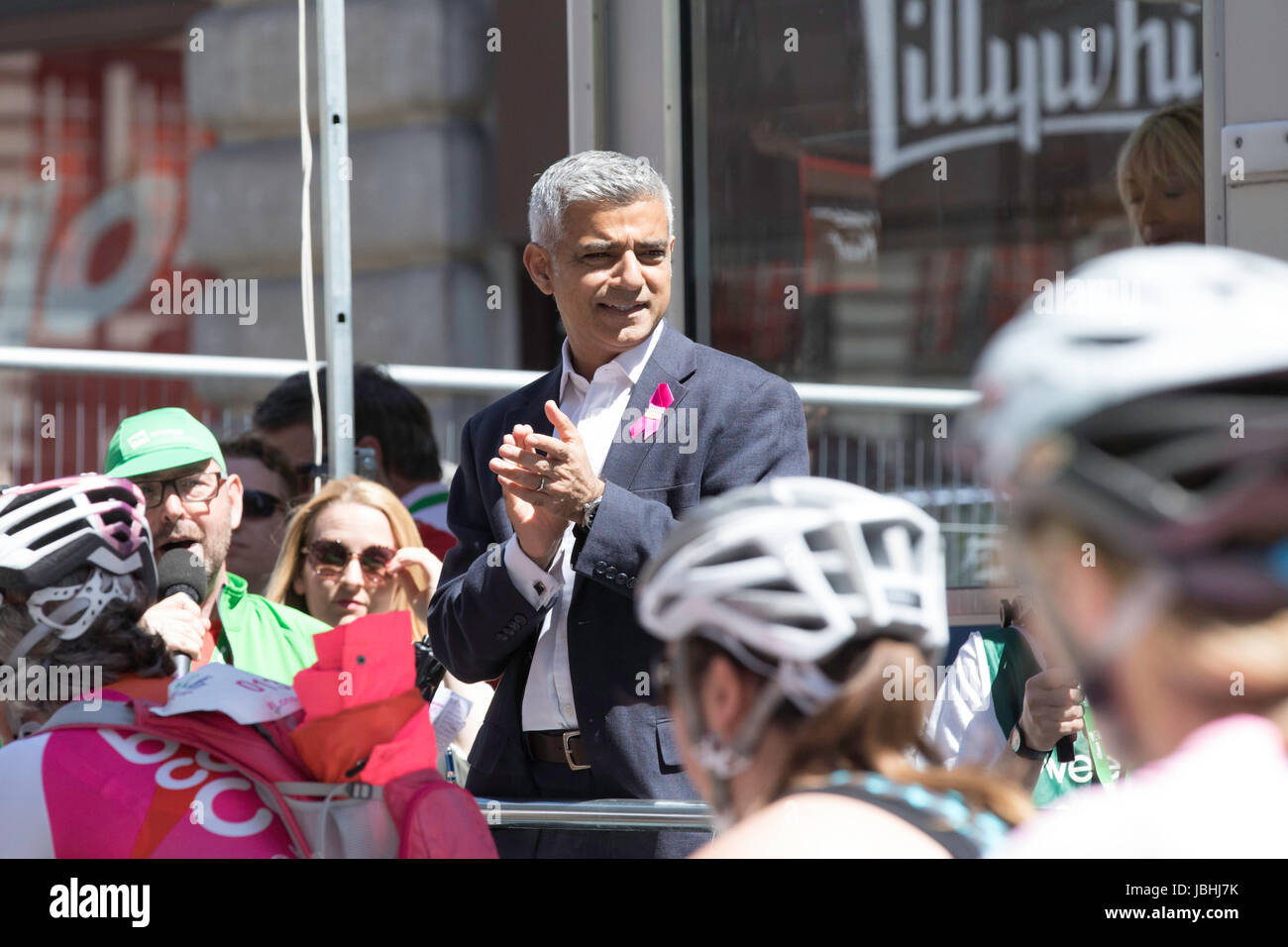 London, UK.  11th June 2017. The Pink Ribbon charity bike ride ahead of the final stage of the 2017 Women's Tour - Stock Image