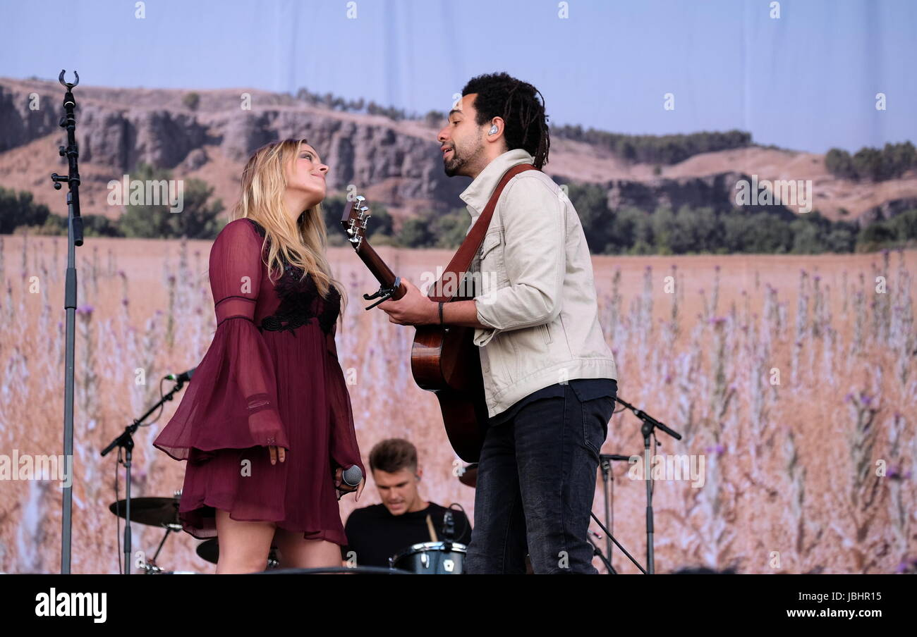 Newport, Isle of Wight, UK. 11th June, 2017. Isle of Wight Festival Day 4 - British country duo The Shires performing - Stock Image