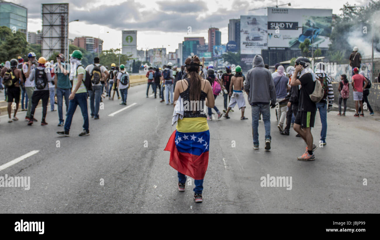 People march in protest against the government of Nicolás Maduro in the streets of Caracas on May,1 2017 - Stock Image