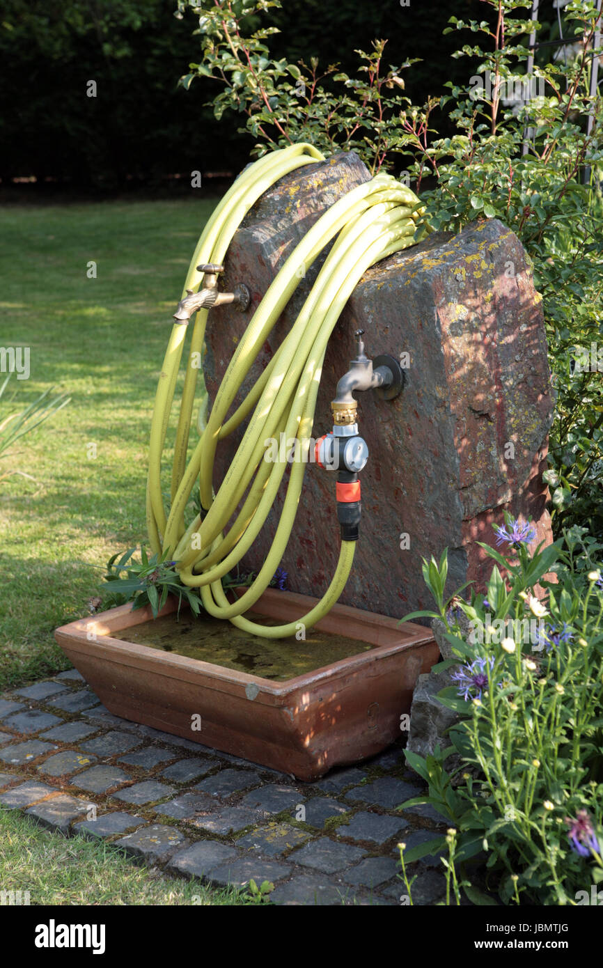 Wasserstelle Im Garten Stock Photo 144902536 Alamy