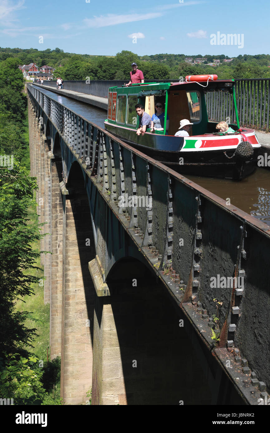 Pontcysyllte Aqueduct which carries the Llangollen Canal over the river Dee in north Wales seen from Froncysyllte - Stock Image