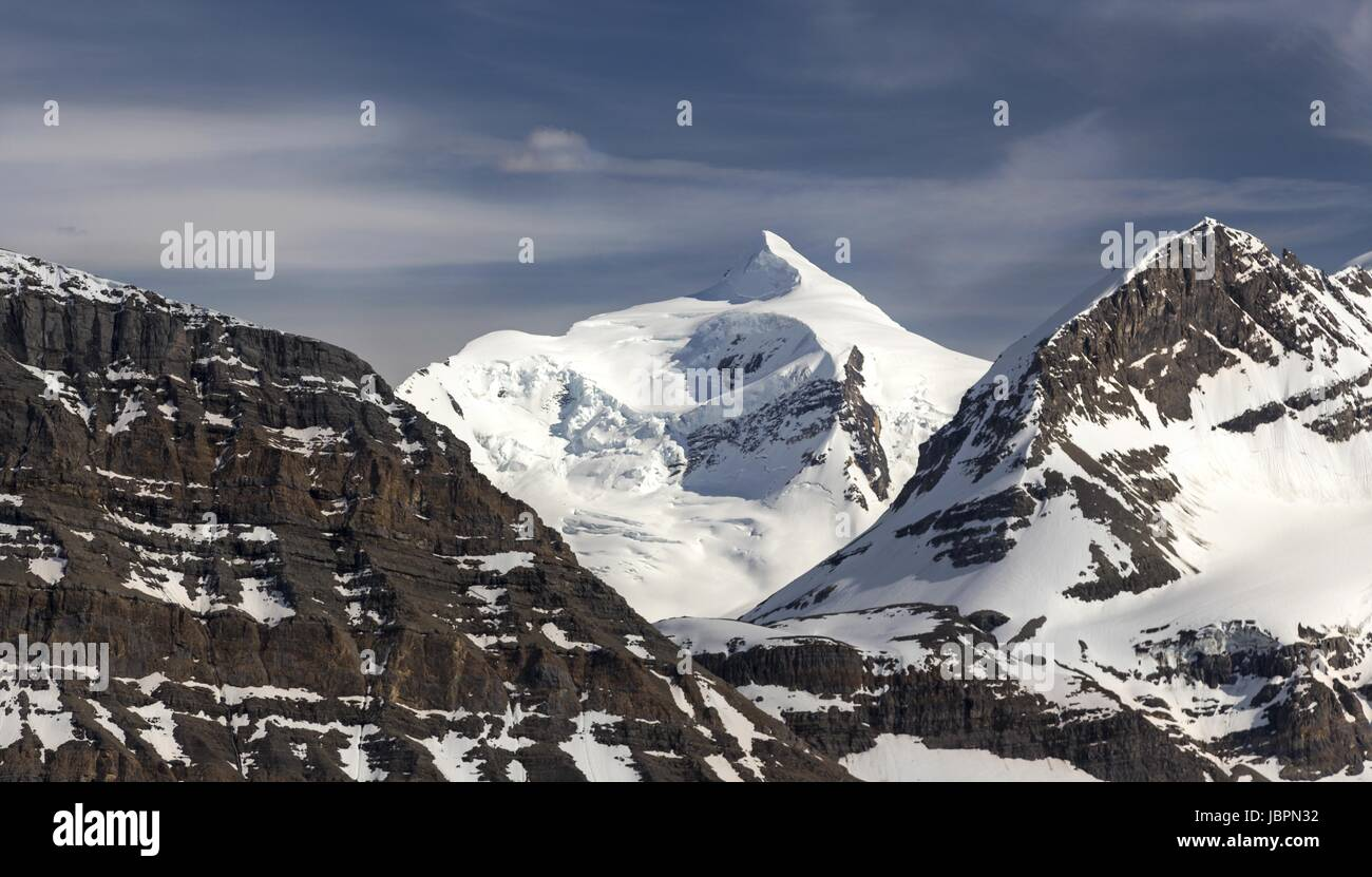 Resplendent Mountain Telephoto from Mumm Basin Hiking Trail Mount Robson Rocky Mountains British Columbia Canada - Stock Image