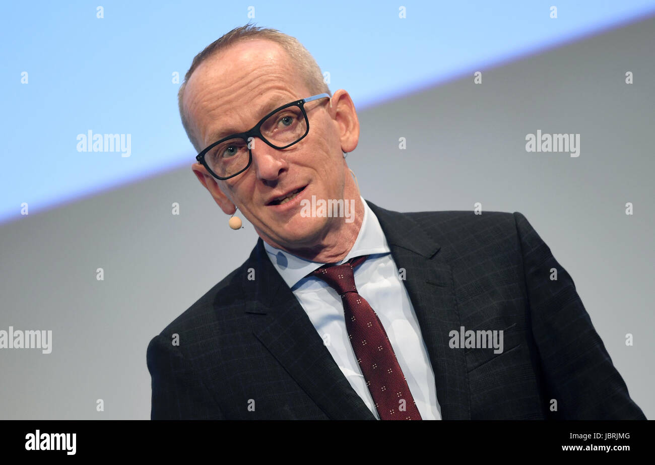 ARCHIVE - Karl-Thomas Neumann, chairman of the Open Group speaks during an 'Automotive Summit' organized - Stock Image