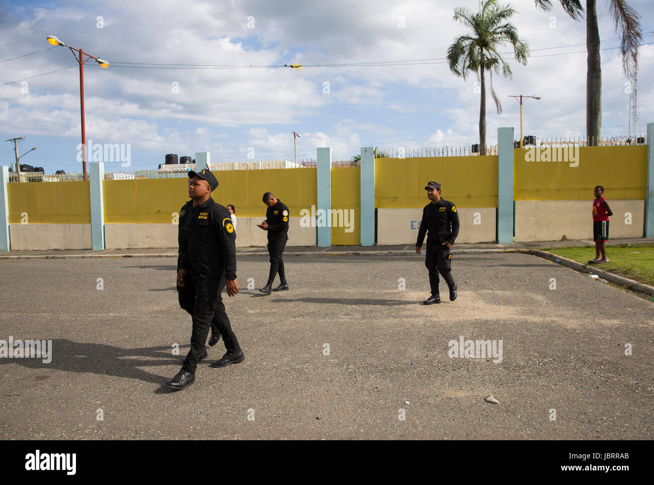Penitentiary staff guard the Najayo jail in San Cristobal, Dominican