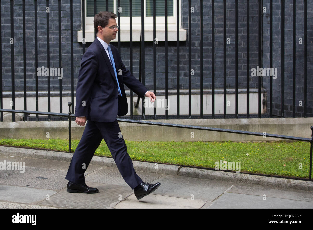 London, UK. 12th June, 2017. James Brokenshire MP, Secretary of State for Northern Ireland, leaves 10 Downing Street - Stock Image