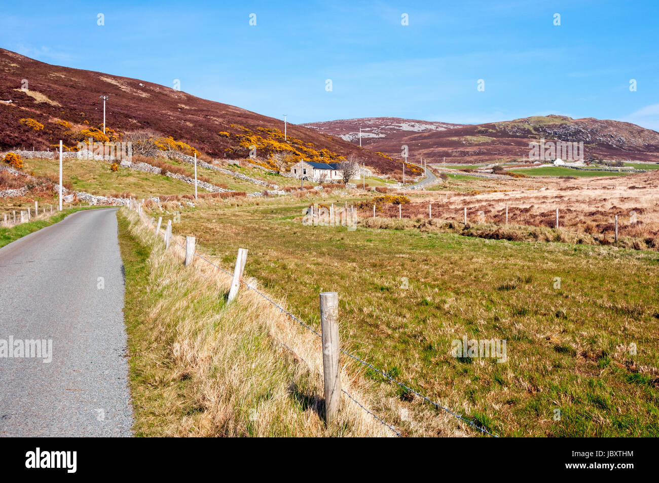 The road to Horn Head, near the town of Dunfanaghy, County Donegal, Ireland - Stock Image