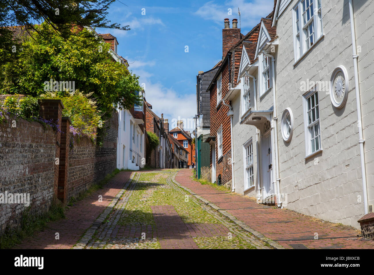 A view of the pretty Keere Street in the historic town of Lewes in East Sussex, UK. Stock Photo