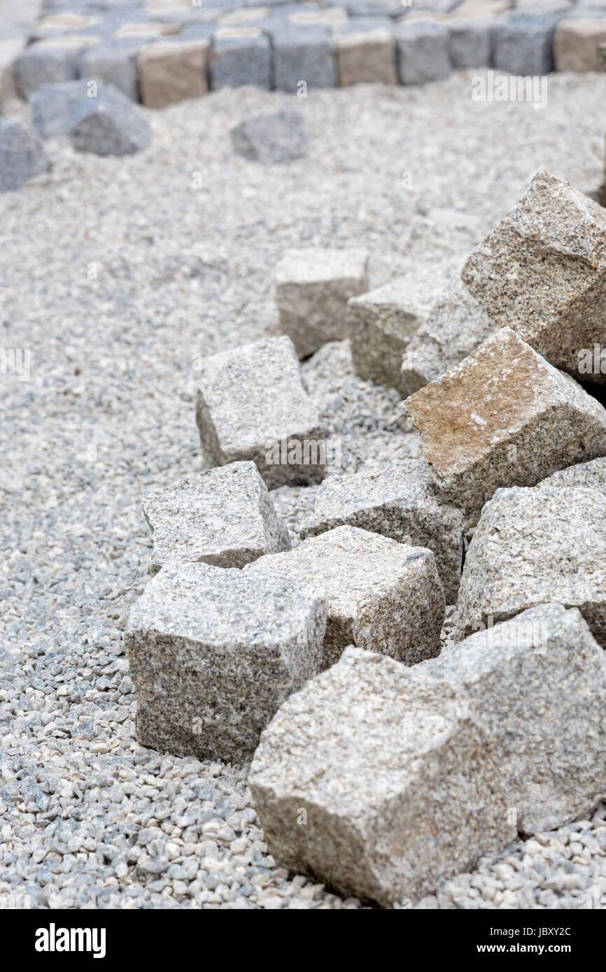 granitsteine verlegen stock photo: 145036148 - alamy