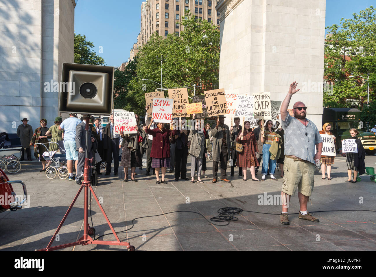 New York, NY 12 June 2017 On Location for the Amazon Prime tv series 'The Marvelous Mrs Maisel.' The episode - Stock Image