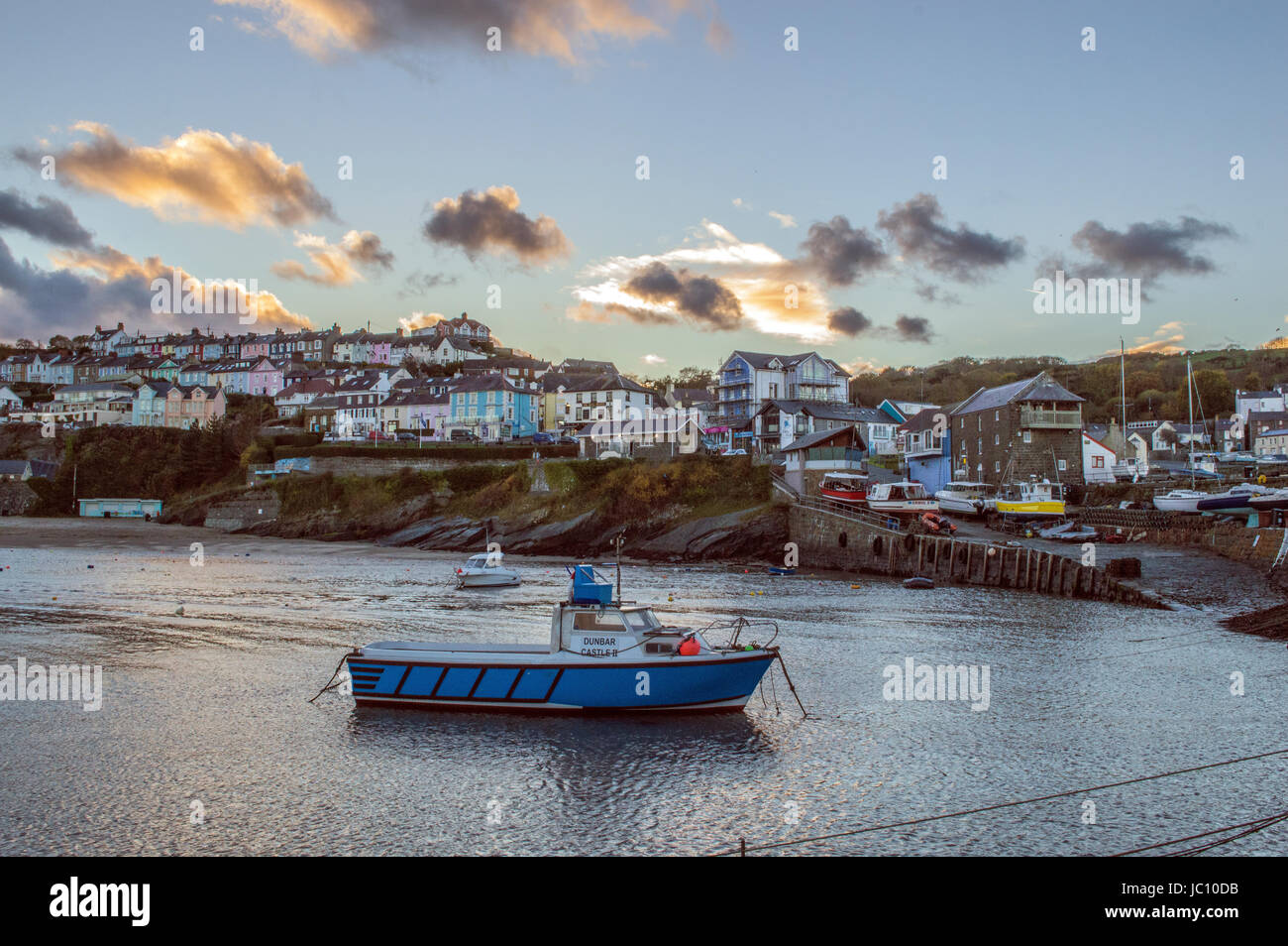 The beautiful seaside village of New Quay which overlooks Cardigan Bay on the West coast of Wales. - Stock Image