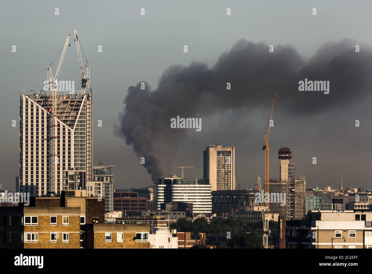 London, UK. 14th June, 2017. Huge fire at Grenfell Tower seen from south east London © Guy Corbishley/Alamy Live Stock Photo