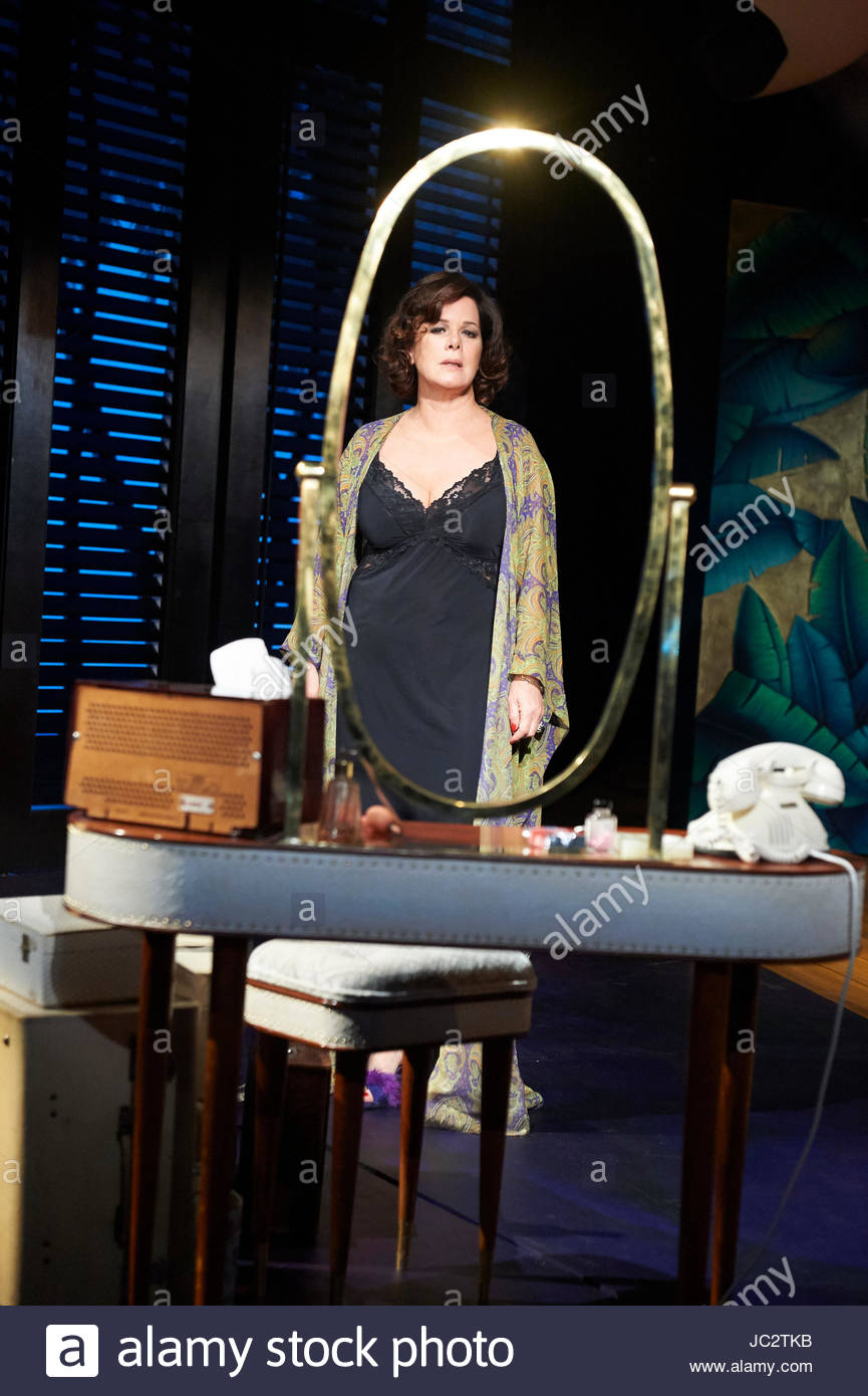 Sweet Bird Of Youth by Tennessee Williams, directed by Jonathan Kent. With Marcia Gay Harden as The Princess Kosmonopolis - Stock Image