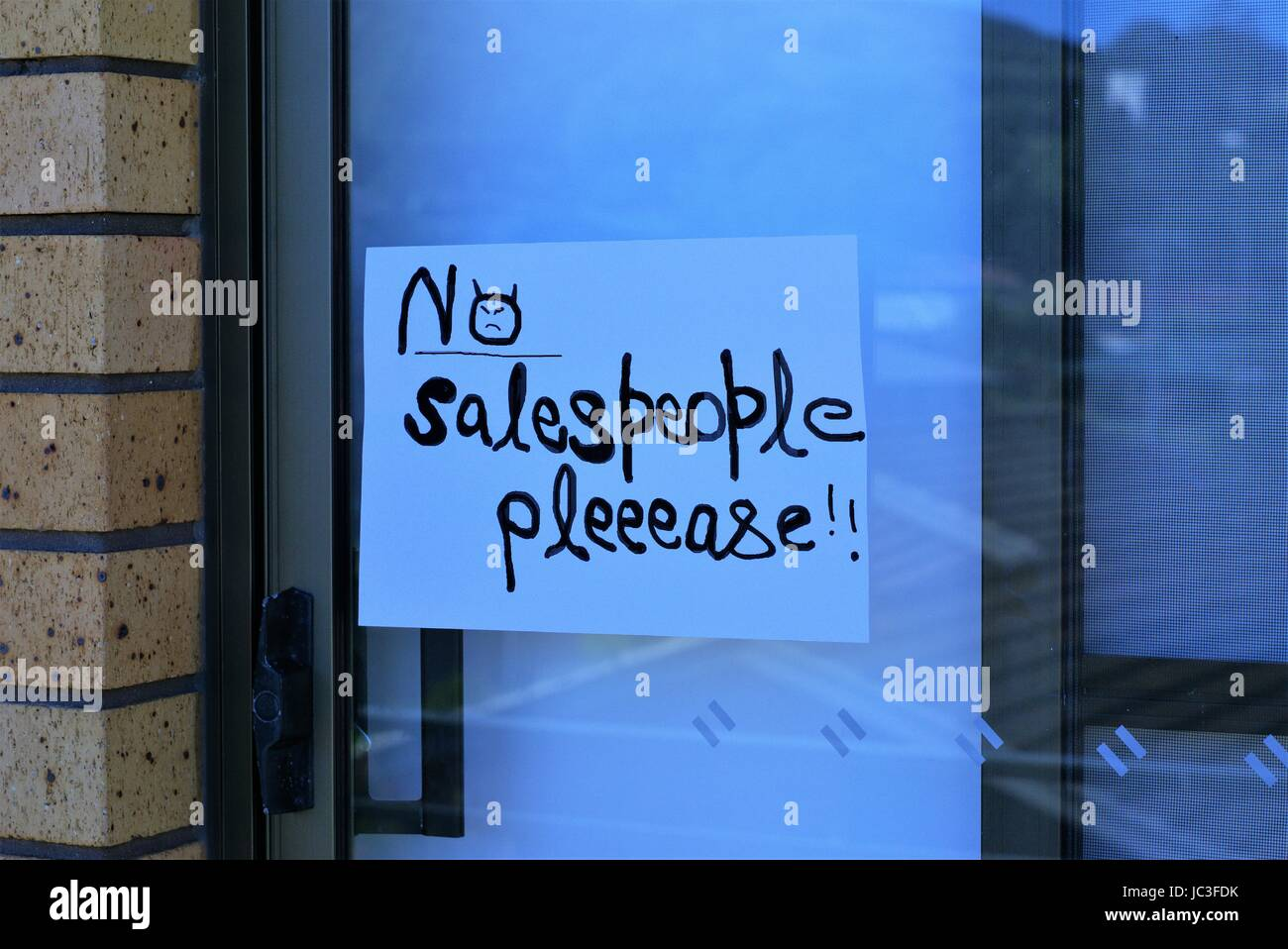 Sign saying 'No Salespeople please' - Stock Image