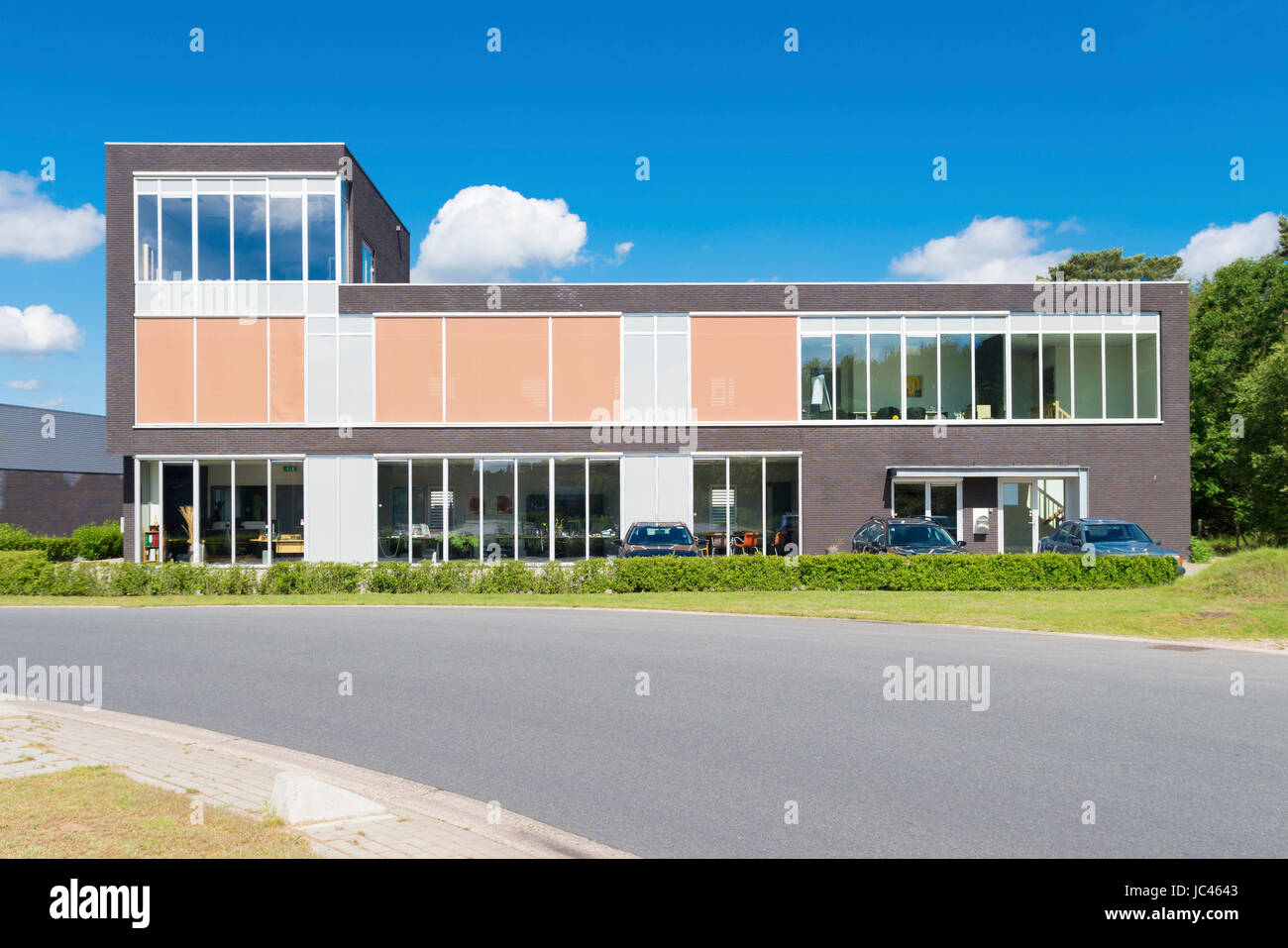 Exterior Of A Modern Small Office Building Stock Photo Alamy