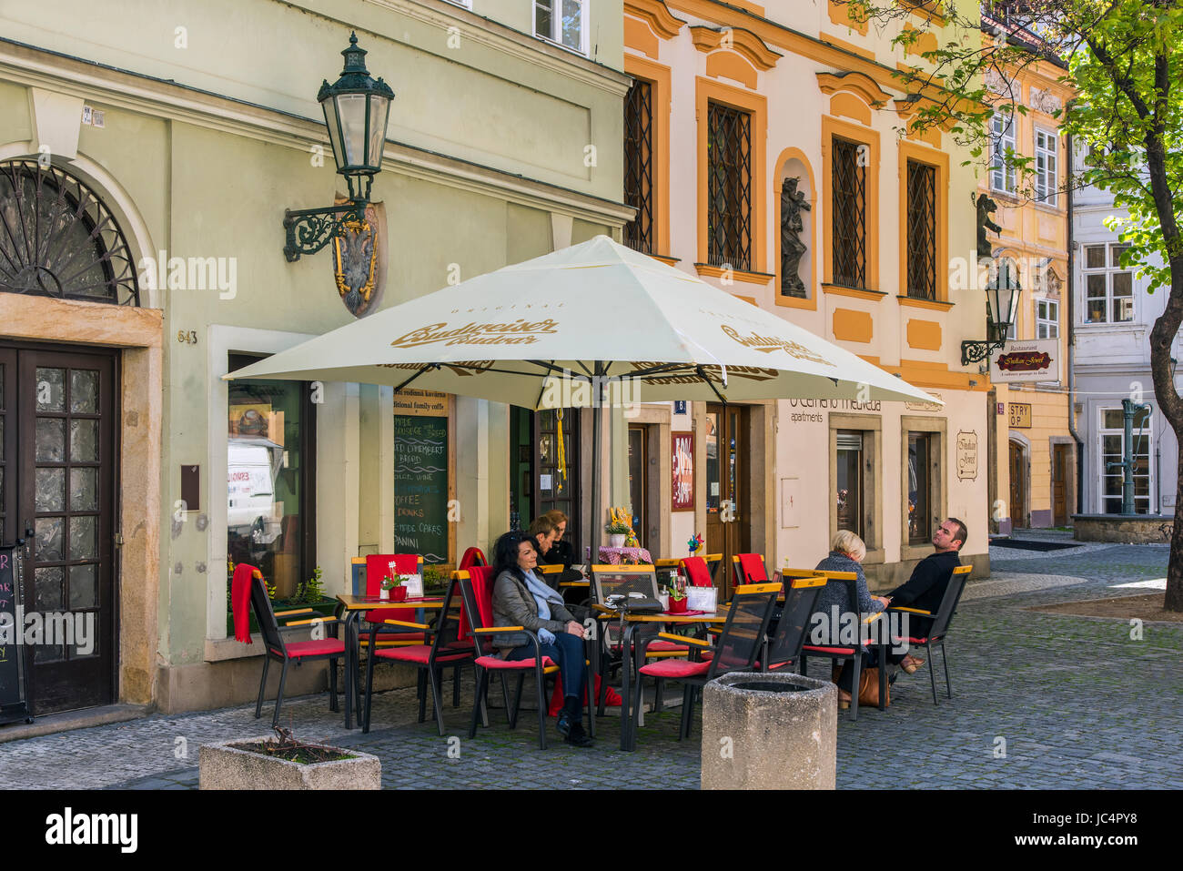 Outdoor cafe in the old town, Prague, Bohemia, Czech Republic - Stock Image