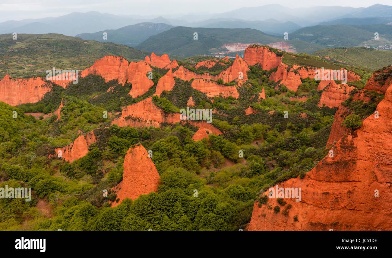Las Medulas, Leon Province, Castile and Leon, Spain.  The Roman gold mining site of Las Medulas is a UNESCO World - Stock Image