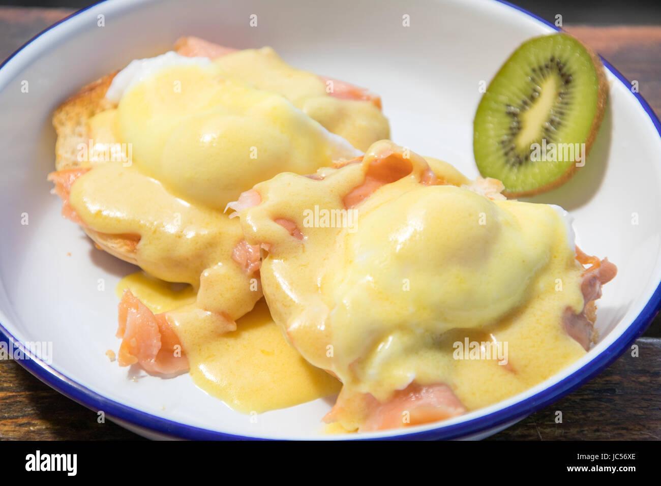 Eggs Benedict with smoked salmon, Kiwi Cafe, Chester, Nova Soctia, Canada Stock Photo