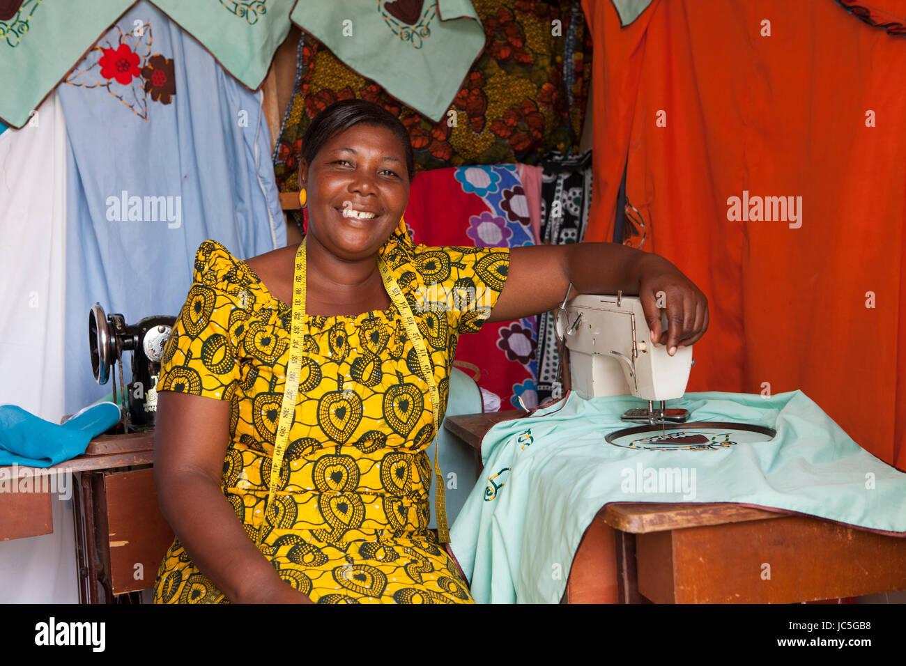 Female tailor, Tanzania, Africa. - Stock Image