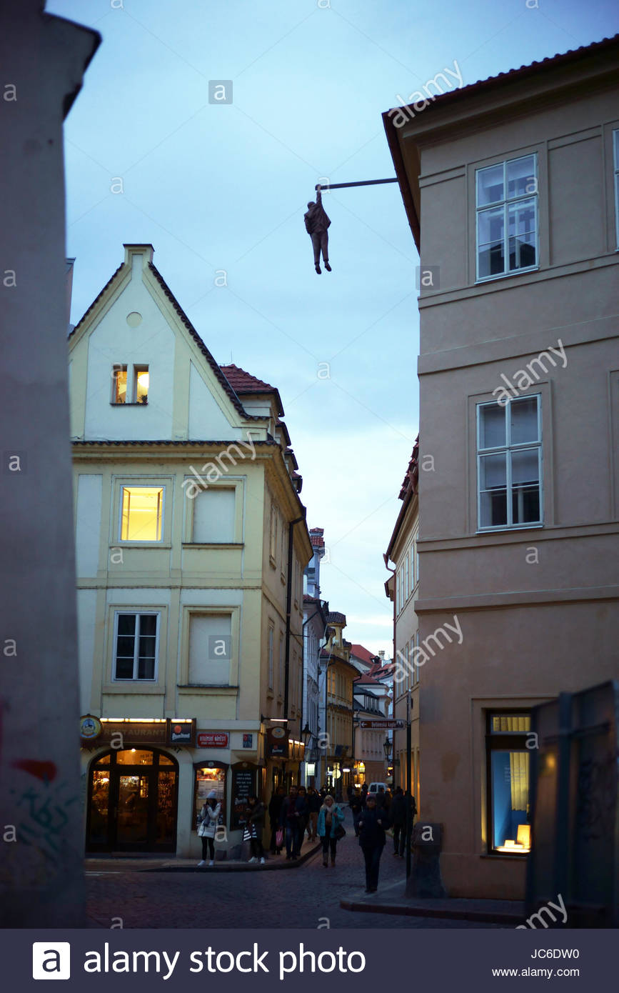 Man Hanging Out sculpture depicting psychoanalyst Sigmund Freud, by artist David Cerny in Stare Mesto (Old Town) - Stock Image