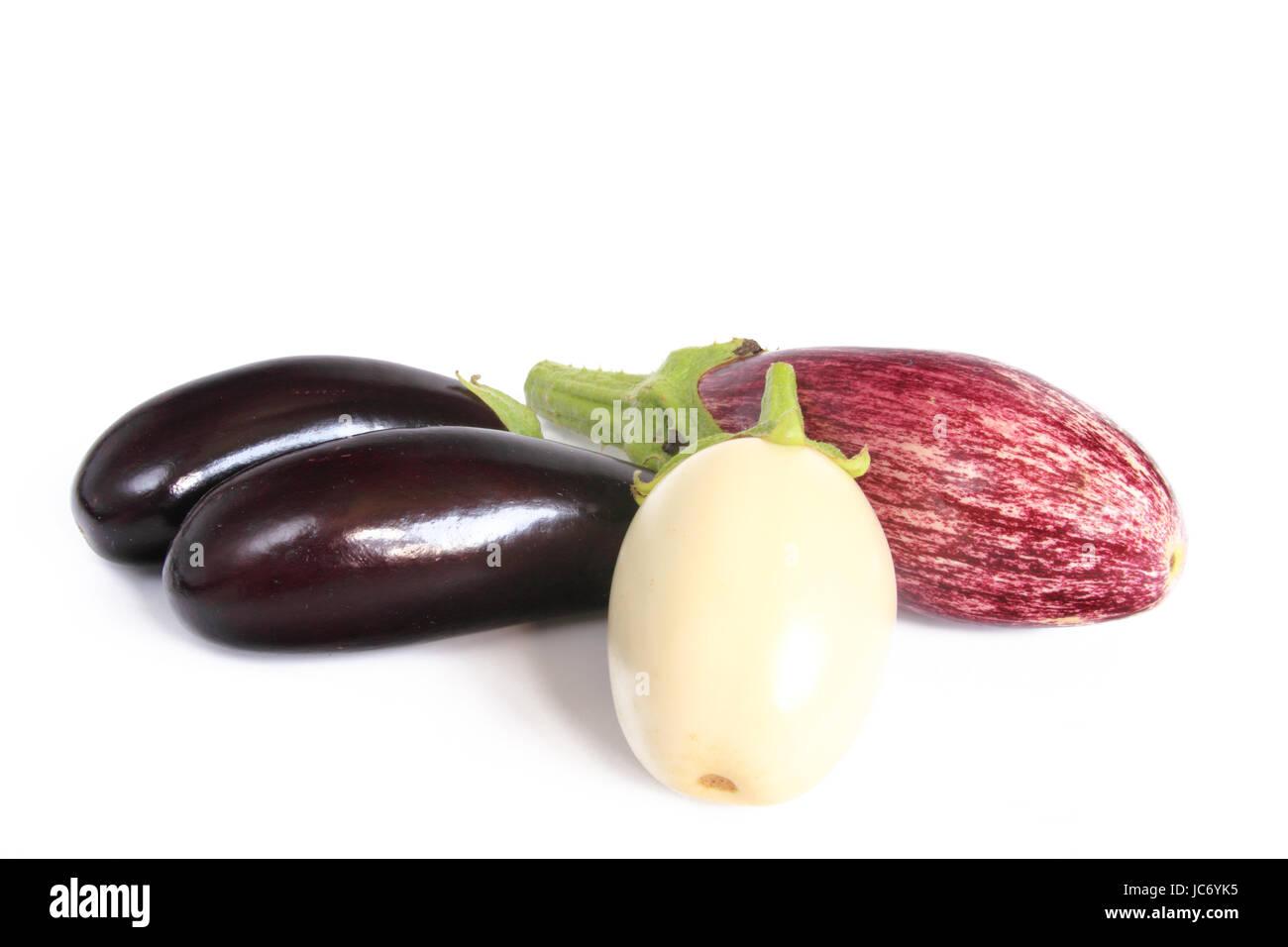 drei verschiedene Auberginensorten (Solanum melongena) Stock Photo