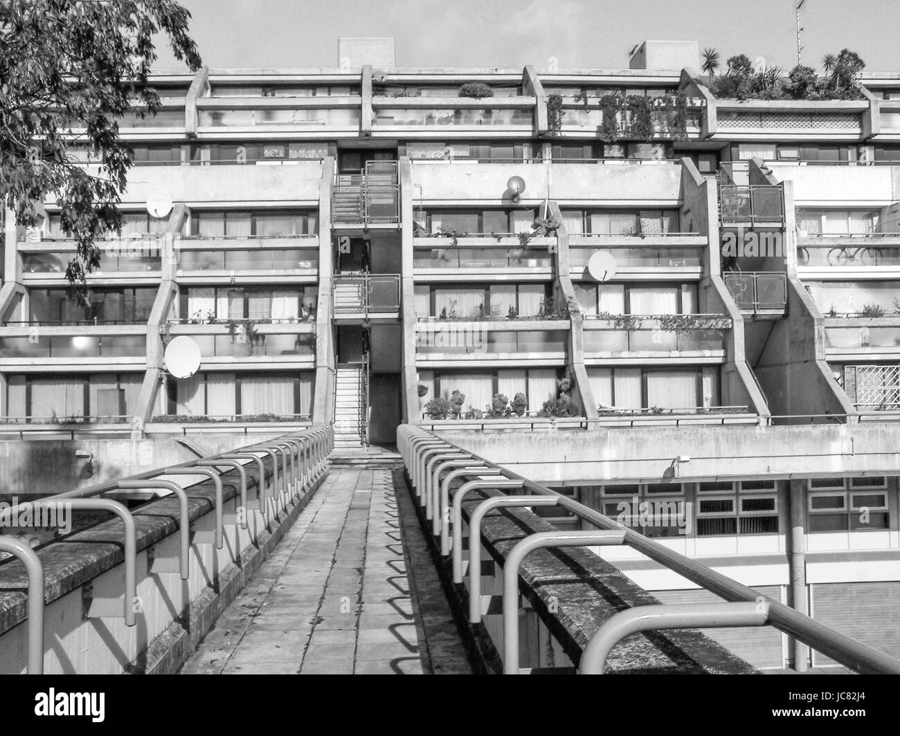 LONDON, ENGLAND, UK - MARCH 07, 2008: The Alexandra Road estate designed in 1968 by Neave Brown applies the terraced Stock Photo