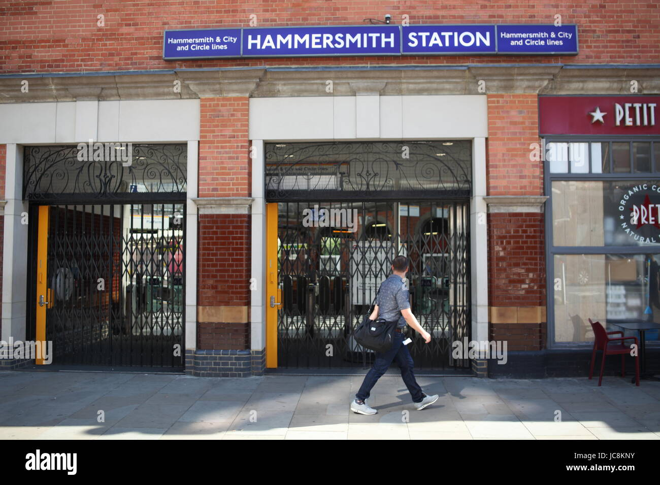 London, UK. 14th Jun, 2017. London Underground: Hammersmith and City line closed due to a huge fire of Grenfell - Stock Image