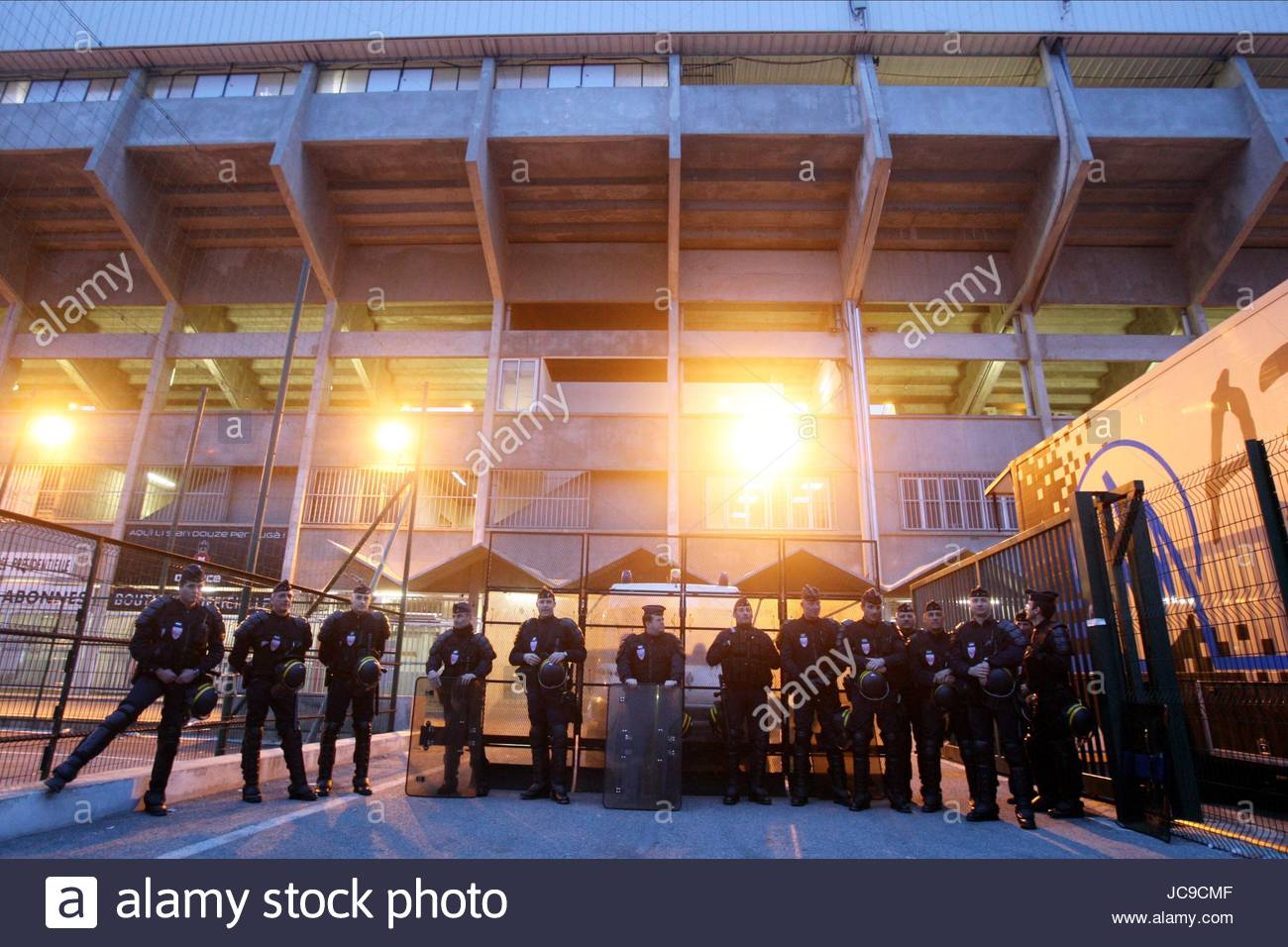 MATCH PLAYED BEHIND CLOSED DOO NICE V PSG NICE  FRANCE 20 March 2010 - Stock Image