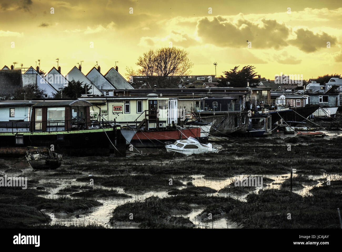 HOUSES BOATS ON ADUR RIVER - SHOREHAM BY SEA -SUSSEX ENGLAND © Frédéric BEAUMONT Stock Photo