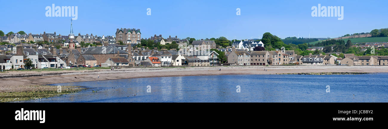 The town Stonehaven and beach in Aberdeenshire, Scotland, UK - Stock Image
