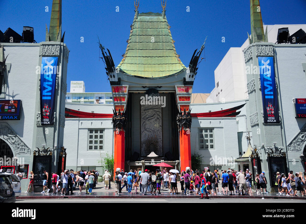 May 21, 2017.  Hollywood, California.  Hundreds of tourists outside of the landmark iconic Chinese theater exterior - Stock Image