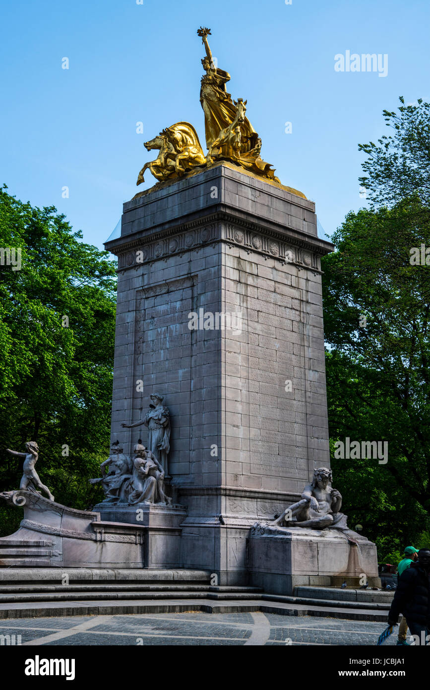 Monument in New York to sailors who perished on the Battleship Main duining Spanish American War - Stock Image