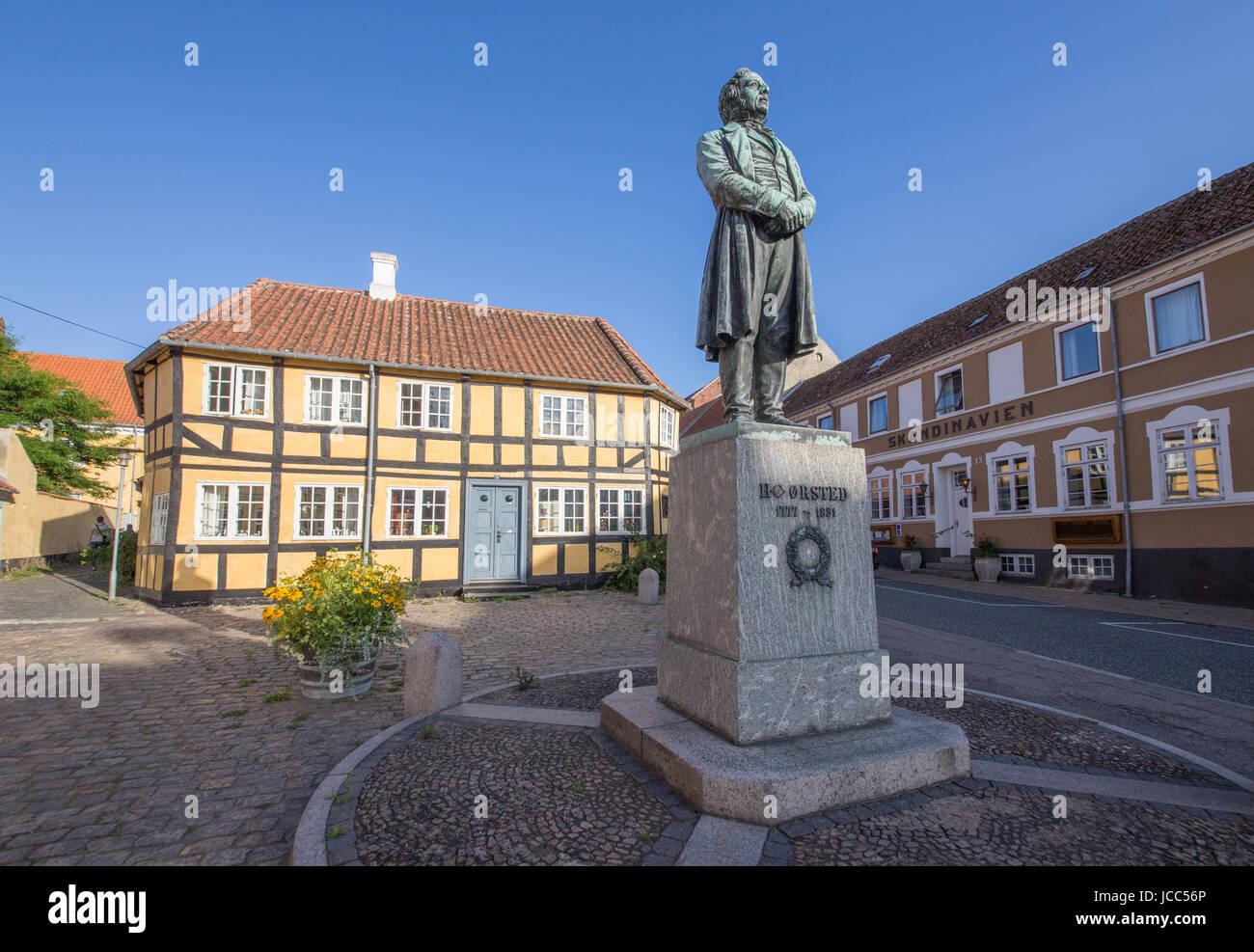 Ørsted-Denkmal  in Rudkøbing, Erfinder des Elektromagnetismus - Stock Image