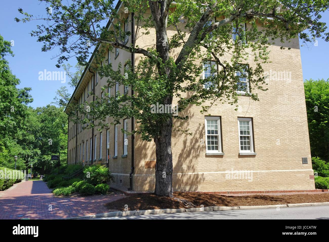 Old East residence hall is the oldest state university building in the United States. Unversity of North Carolina, Chapel Hill, North Carolina Stock Photo