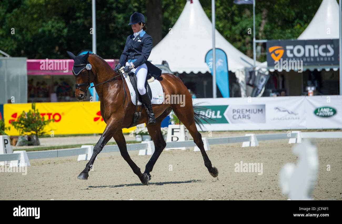 Luhmuehlen, Germany. 15th June, 2017. The South African versatility equestrian athlete Victoria Scott performs dressage - Stock Image