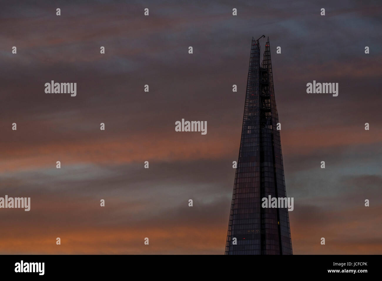 London, UK. 15th June, 2017. The Shard. The sun sets over central London. London, 15 Jun 2017 Credit: Guy Bell/Alamy Stock Photo