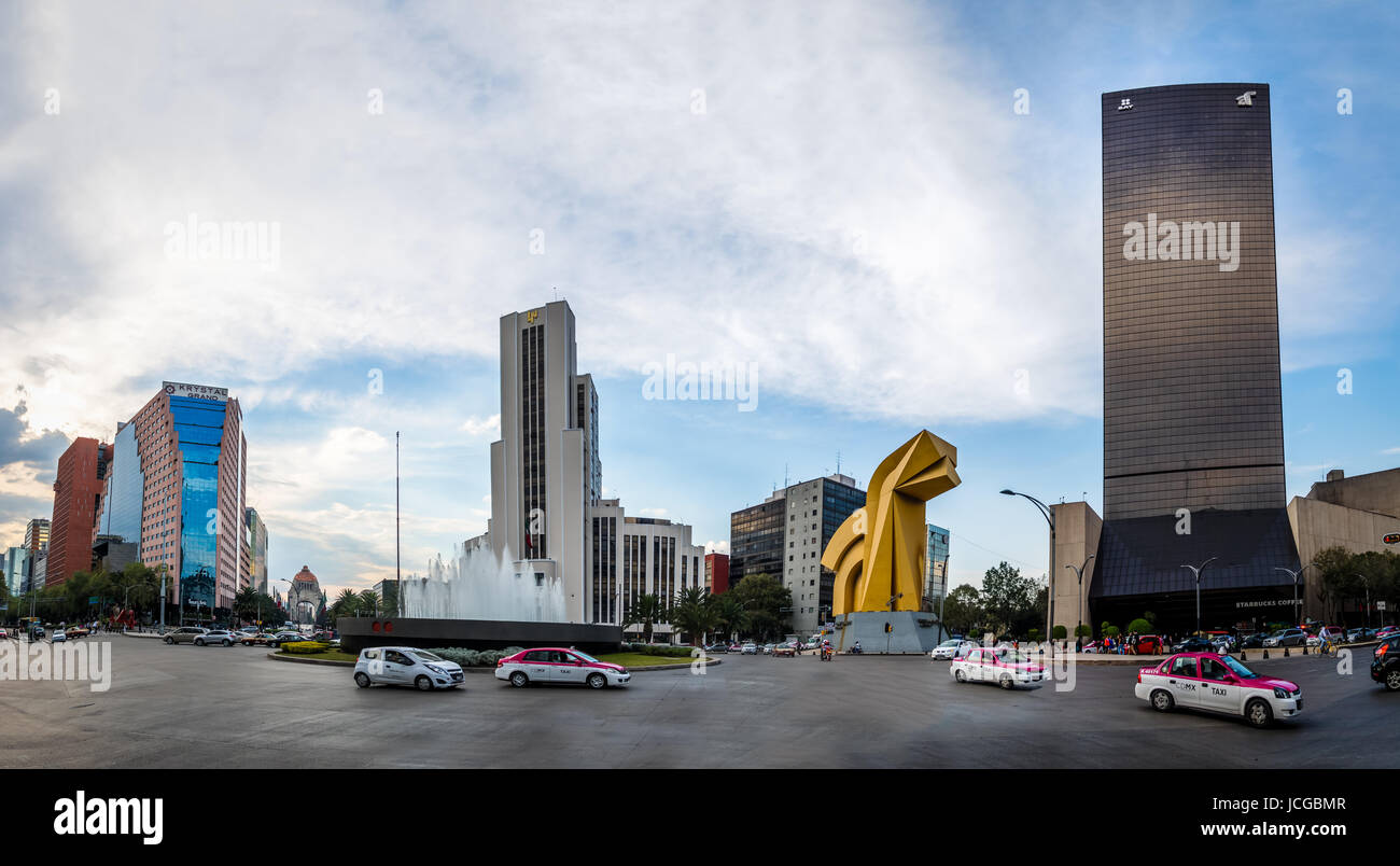Panoramic view of Paseo de La Reforma Square with the Monument to the Mexican Revolution (Monumento a la Revolucion) - Stock Image