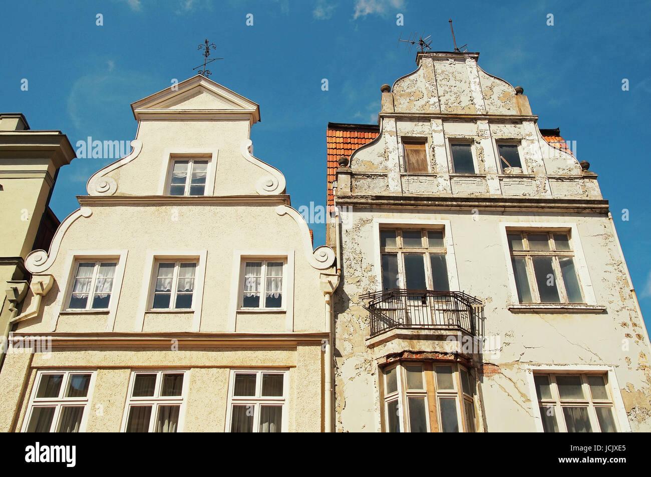 Altbau Wismar Deutschland / Old Apartment Building Wismar Germany - Stock Image