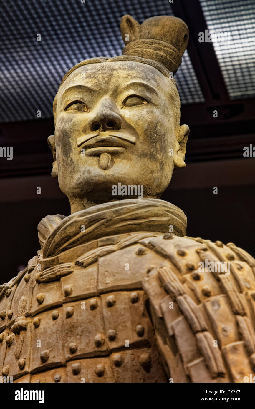 The famous Kneeling Archer unearthed in Pit 2 of the Terracotta Army. Altogether 160 kneeling archers were found - Stock Image