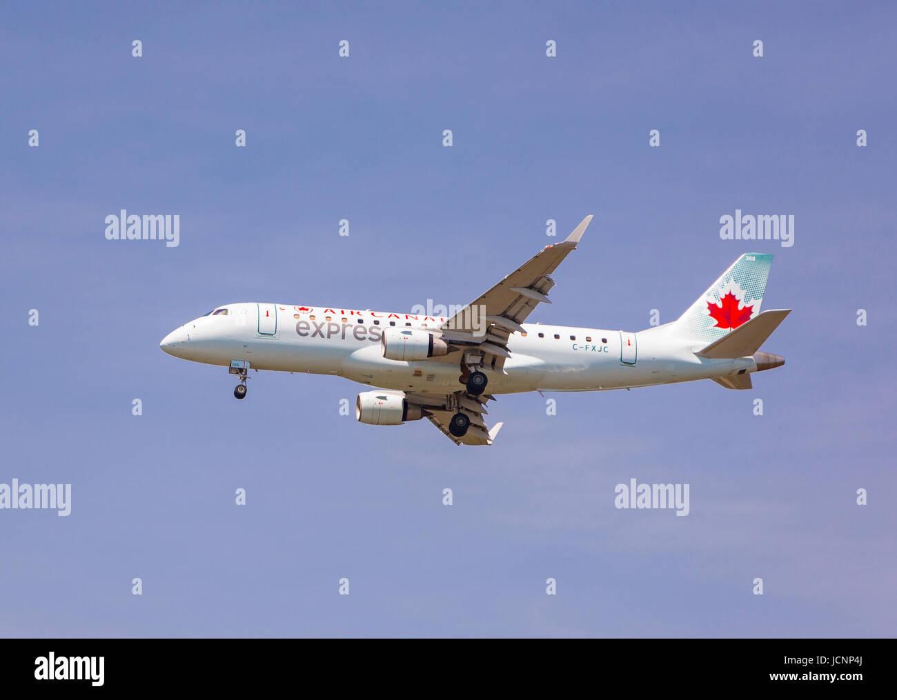WASHINGTON, DC, USA - Air Canada jetliner approaches Reagan National Airport DCA. - Stock Image