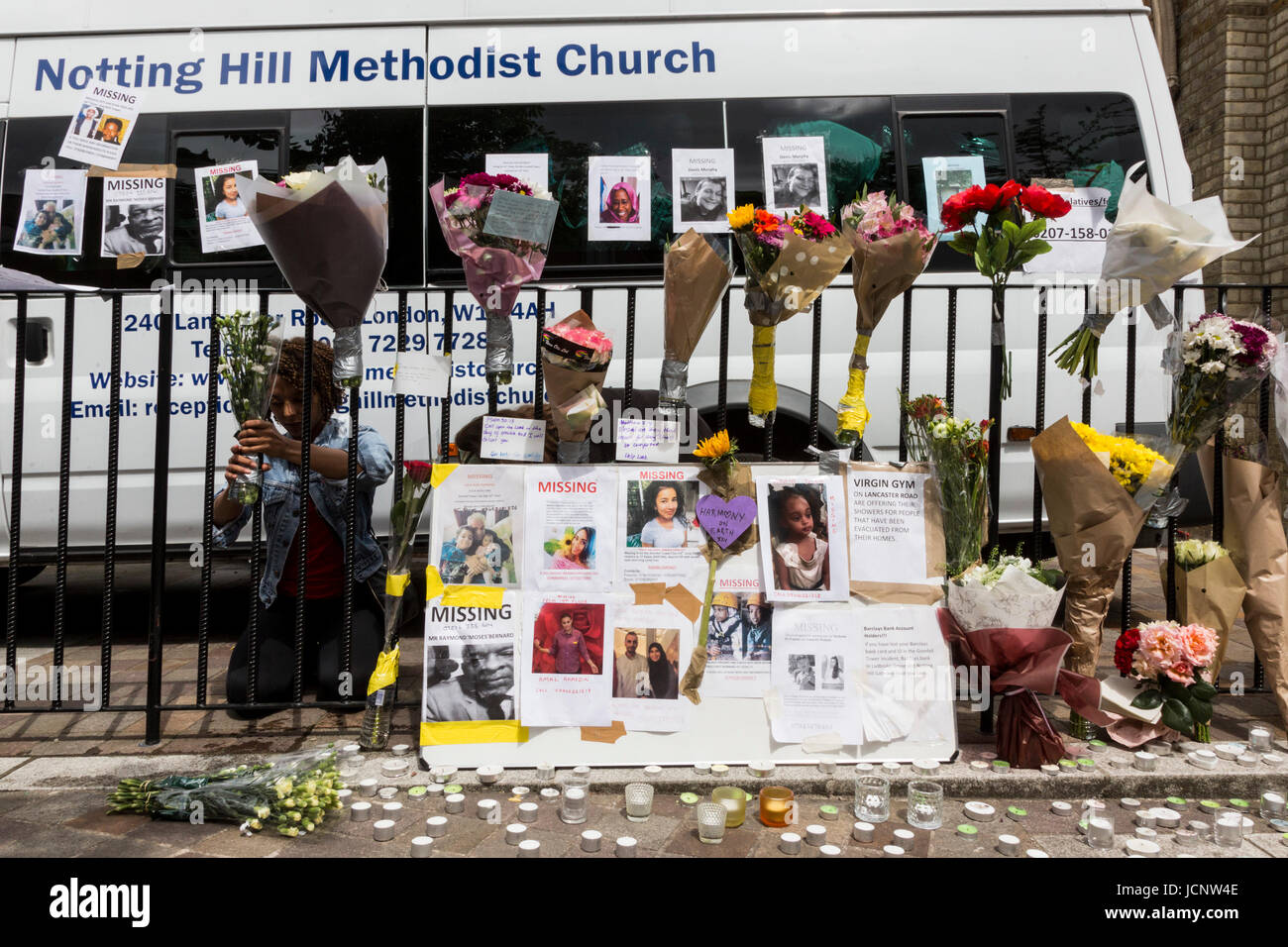 London, UK. 16th June, 2017. Volunteers at the Notting Hill Methodist Church. The Notting Hill community mourns - Stock Image